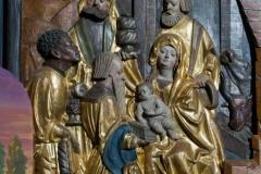 """Krippenszene mit den Weisen aus dem Morgenland (""""Hl. Drei Könige"""") im rechten Flügel des Flügelaltars der Pfarrkirche Maria Rojach."""
